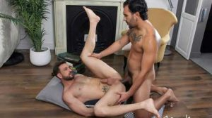 Lucio Saints explains that in this scene, he is Javi Gray's tutor, and he needs to keep him focused. Using his huge cock, Lucio then points out the chapter in the book that Javi needs to study.