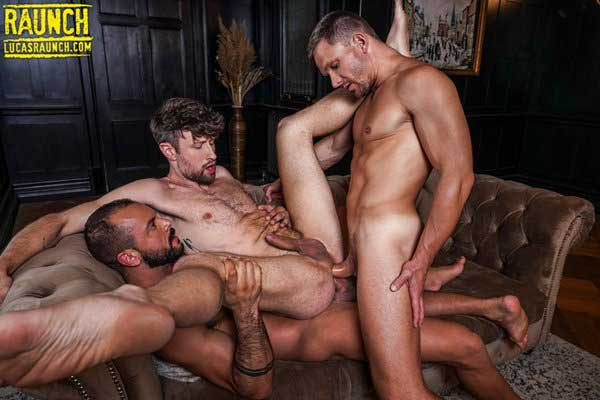 Sir Peter and Andrey Vic, two dominant and strong alpha-male tops with huge uncut cocks, get expert service from Drew Dixon. So much expert service he pisses from the double penetration!