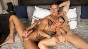 Shane Cook with another muscle stud, but ends up being the bottom bitch! I like to go somewhere warm when winter arrives. I hate cold weather.